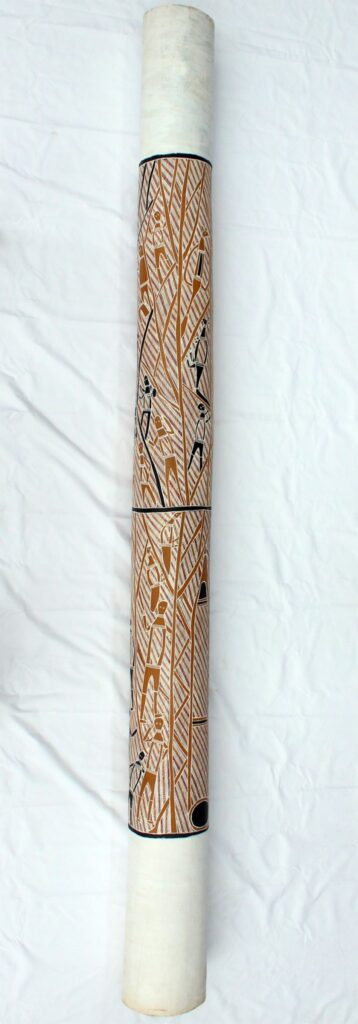Lorrkon (Hollow log) by Laurie Marburduk