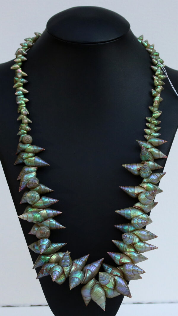 Green & King Maireener Necklace by Lola Greeno