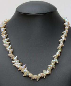 Blue maireneer shell necklace by Lola Greeno